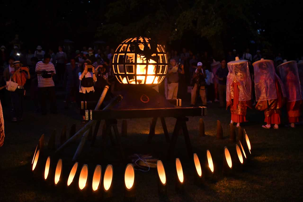 八咫の火祭り