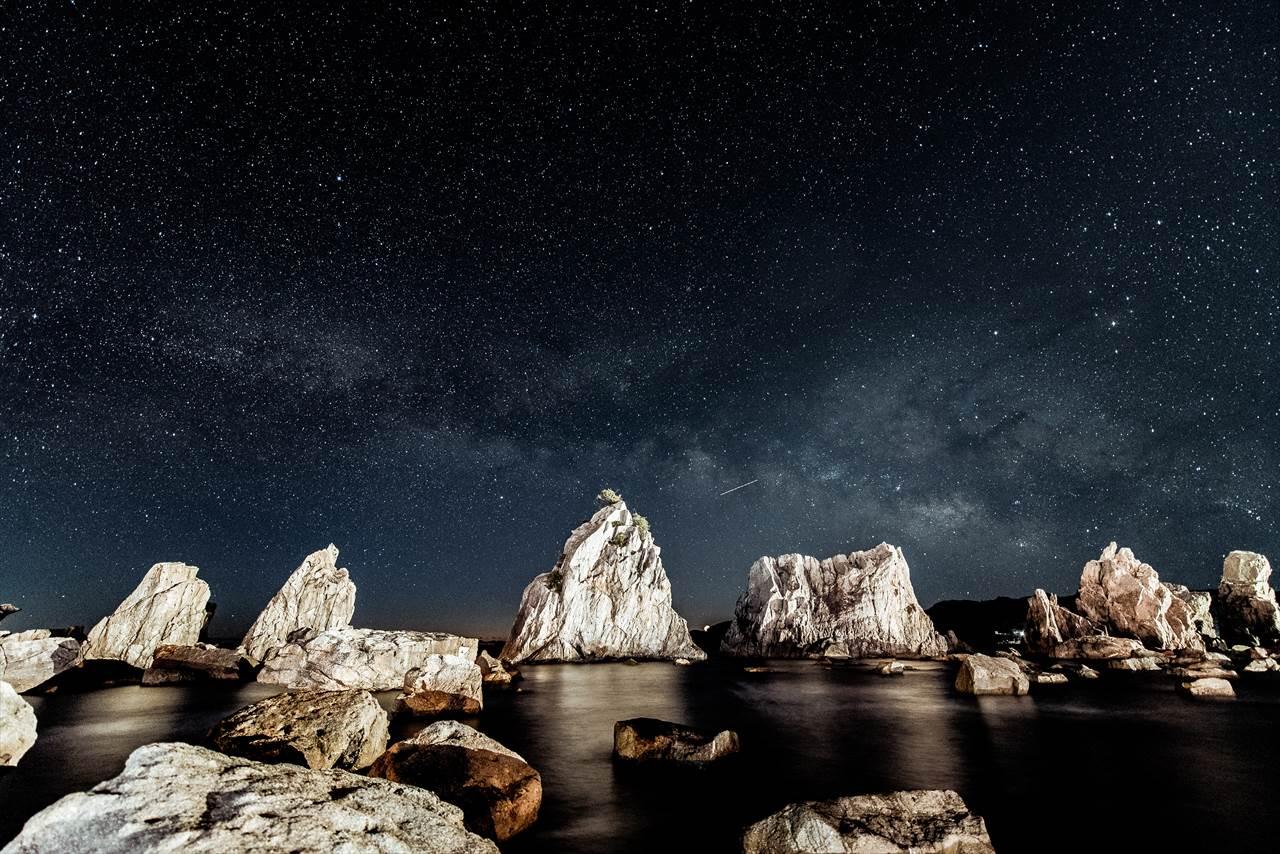 橋杭岩と星空